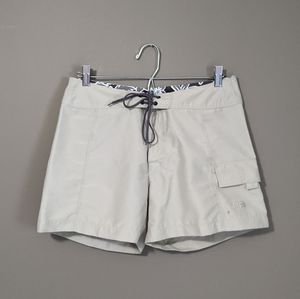 The North Face   beige shorts